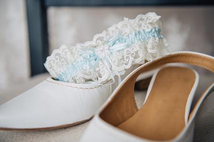 Brautschuhe als Brautschmuck & Accessoires